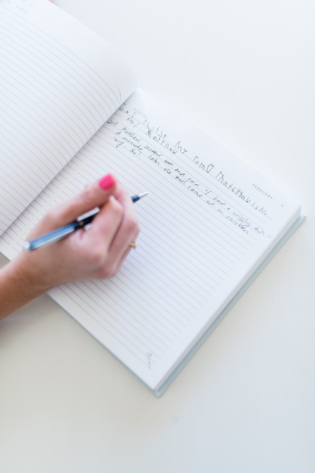 Daily diary without years listed so you can write down what you did each day to store over the years. A perfect creative Mother's Day gift idea!