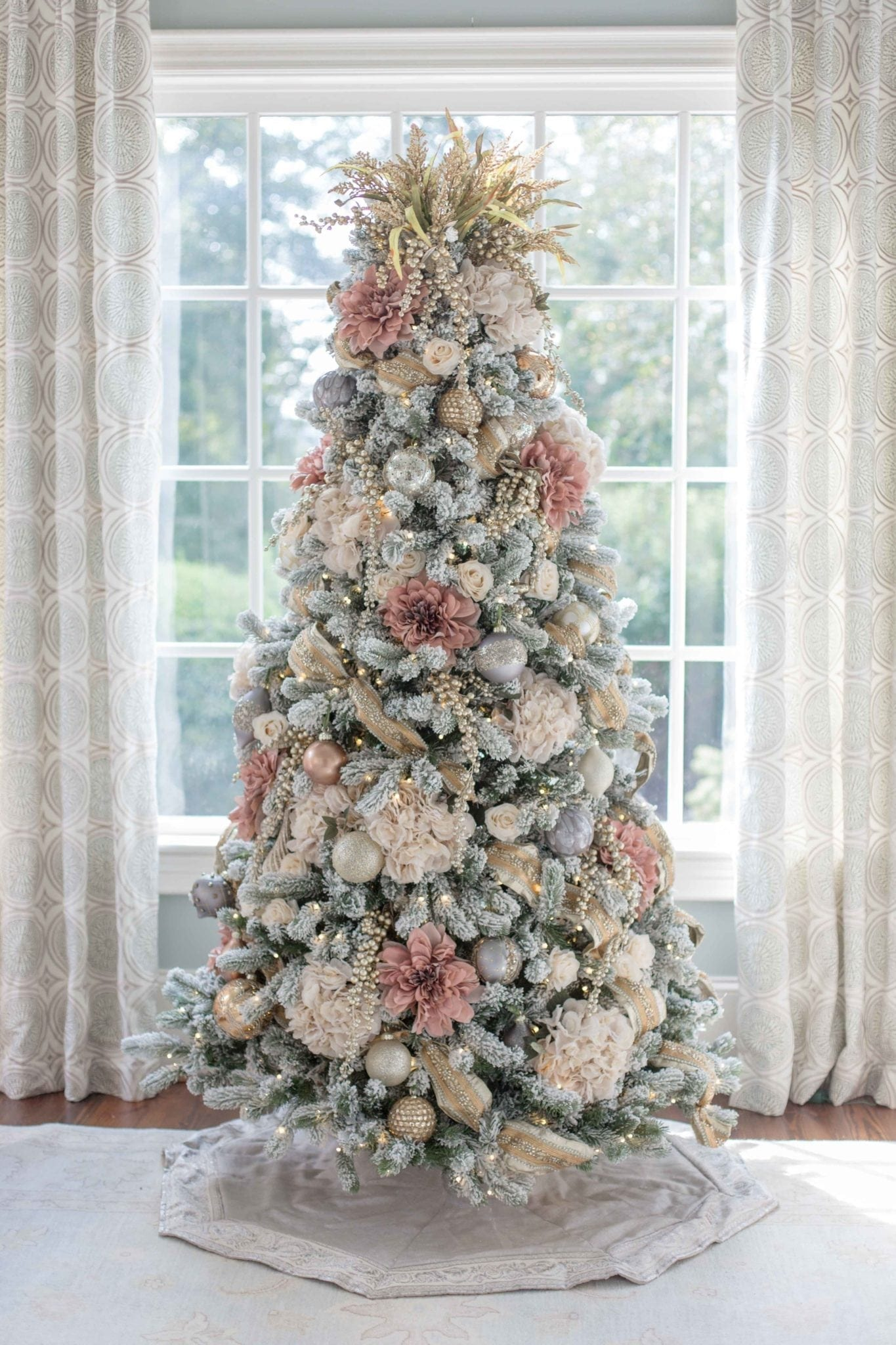 One Elegant Christmas Tree Decorated Two Ways Bluegraygal